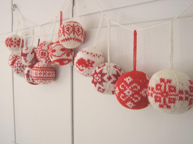 Julekuler, 55 Christmas Balls to Knits