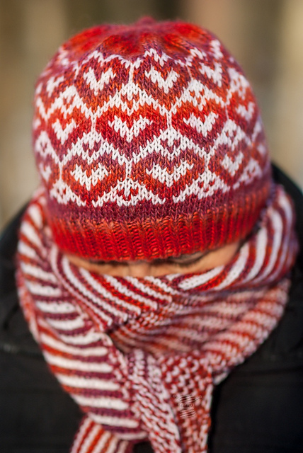 Valentine's Day Hat de LAdy in YArn, imagen de RAvelry